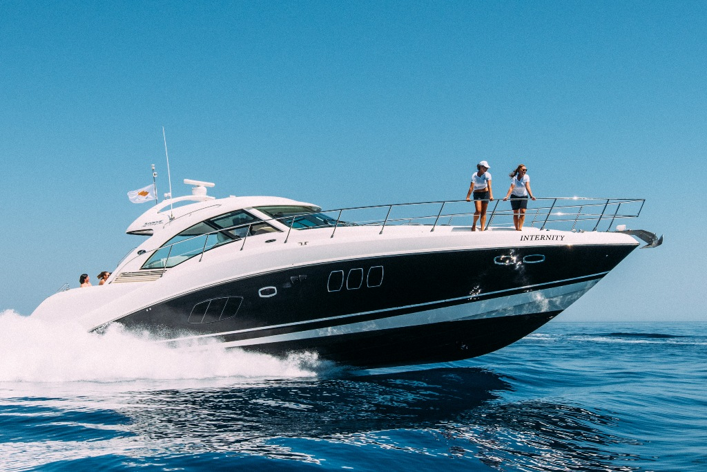 Charter on the yacht Internity in Paphos